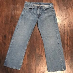 Men's Levi's Jeans size 32/30 hem to 28in inseam.